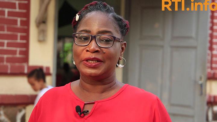 """""""Nous aidons les enfants à donner de l'espoir"""" (Roselyne Sosso, Présidente de l'ONG AKMELEY)"""